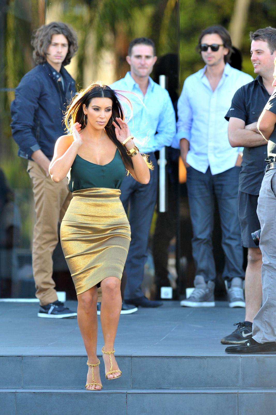 Start your engines boys! Kim Kardashian\'s golden \'assets\' garner a ...