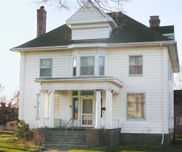 Save This Old House: Michigan Colonial Revival