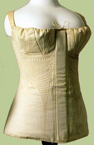 the waistline of the 1819 corset begins to drop and be