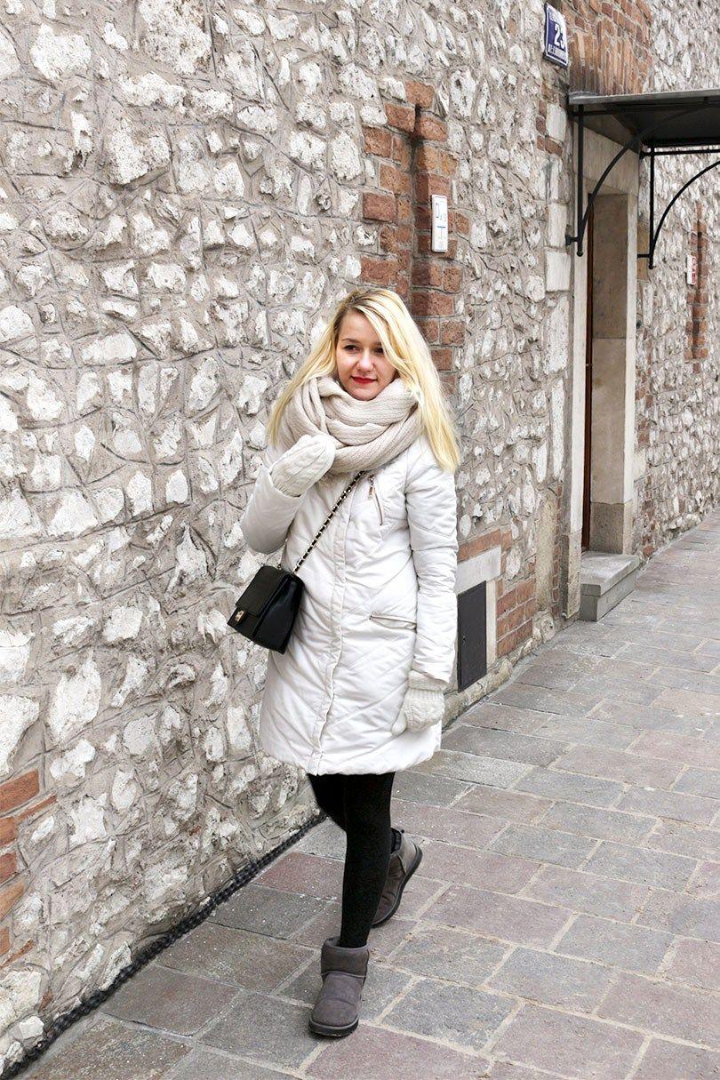 Зимний гардероб  белый пуховик и угги Winter outfit  wool coat and ugg   style b07eb35be9f