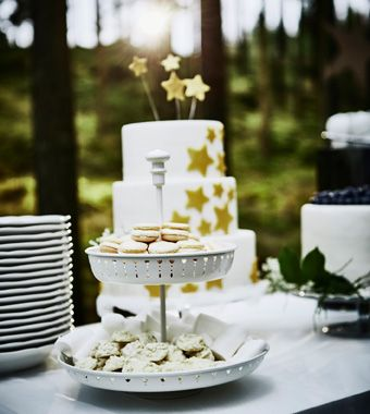 Sparkling candles for wedding cakes