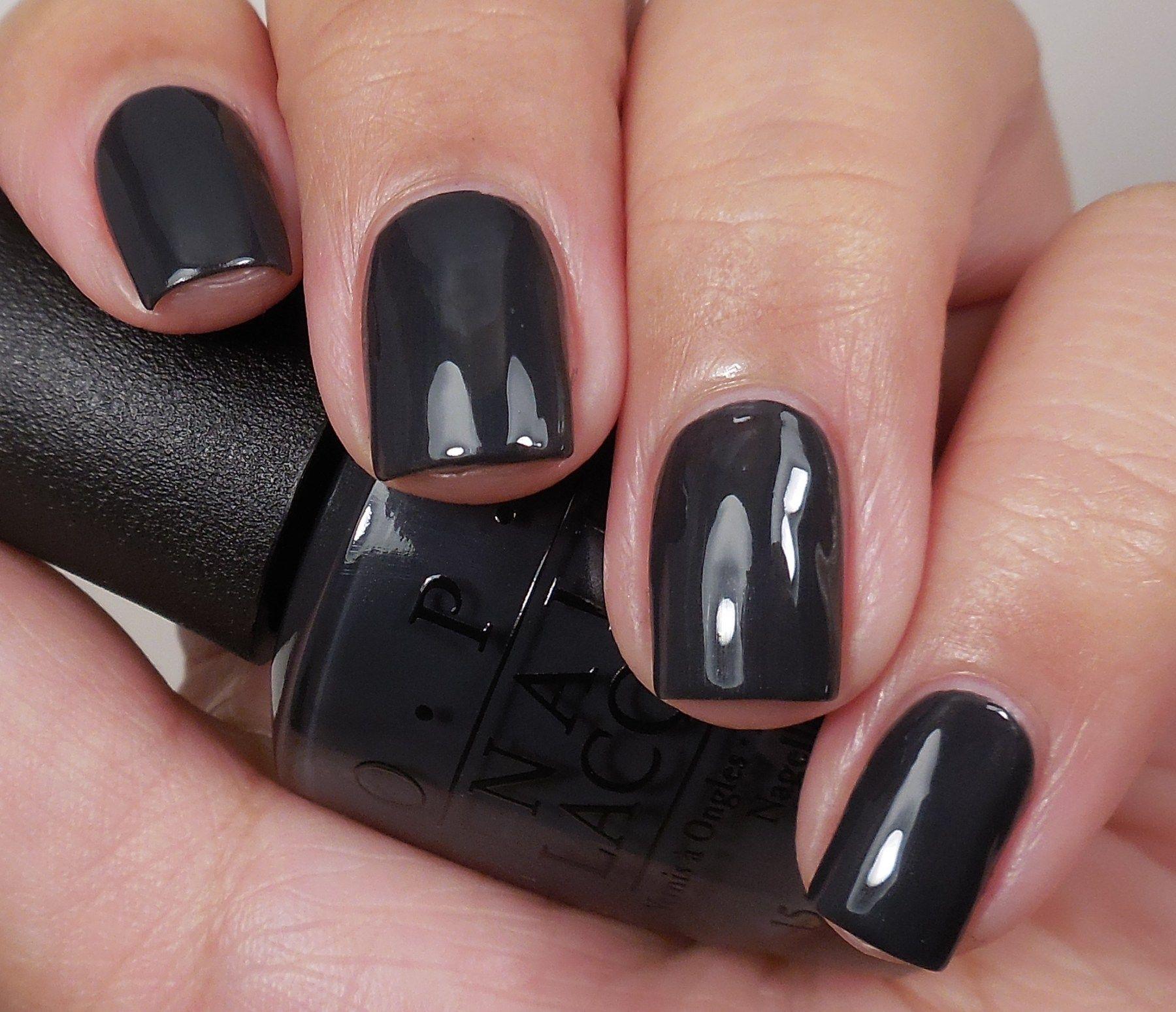 Черный цвет лака на ногтях фото