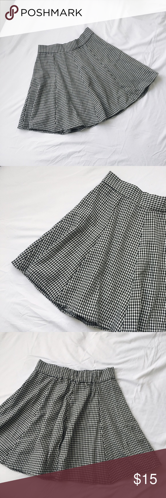 Brandy Melville gingham circle skirt Brandy Melville gingham circle skater skirt. Has the perfect amount of swing to the skirt, with a zipper in the back and an elastic band for more of a stretch. Brandy Melville Skirts Circle & Skater