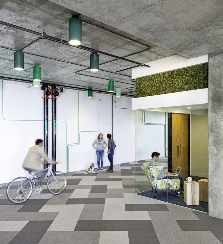 Instalaciones aparentes Gama de colores claros y simples Oficina