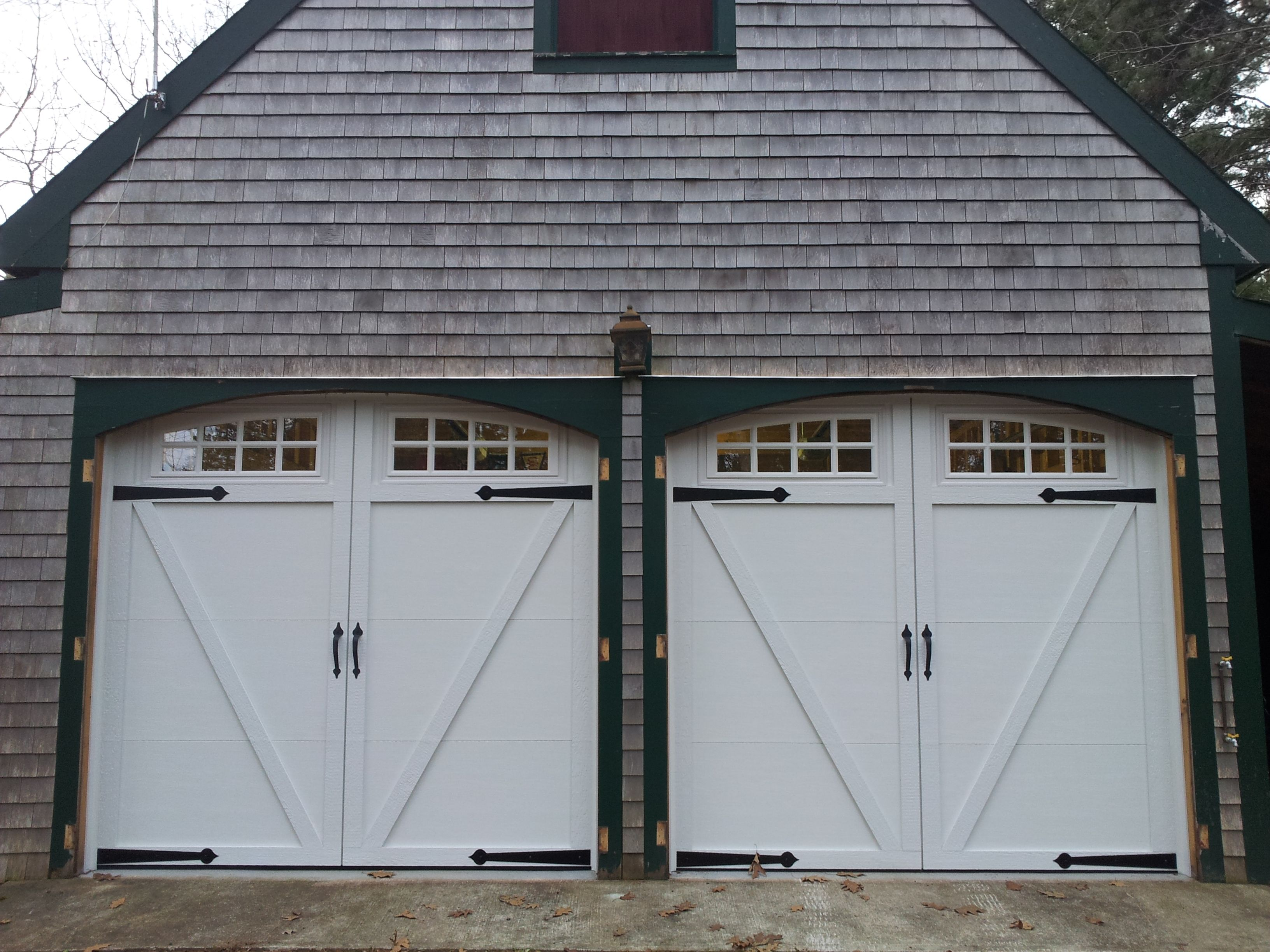 Model 169 Insulated Carriage Style Door Painted White With 1 2 Insulated Glass Somerton Garage Door Styles Carriage Style Garage Doors Garage Door Colors