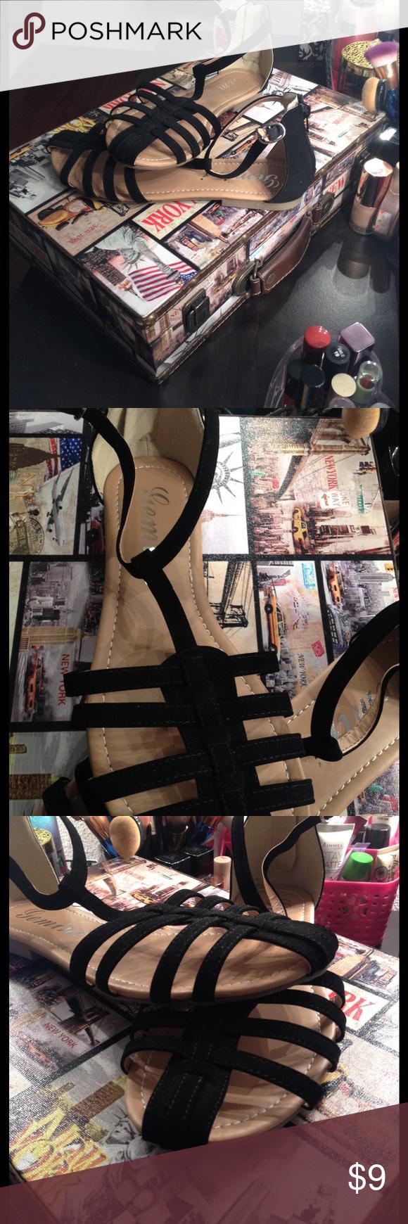 Brand new sandals 😱😊❤️ Super cute ! Shoes Sandals