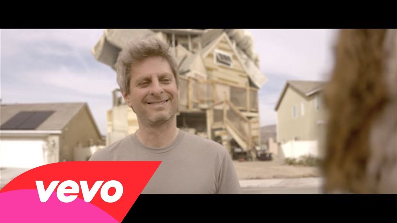 Mike Gordon releases official music video for Yarmouth Road