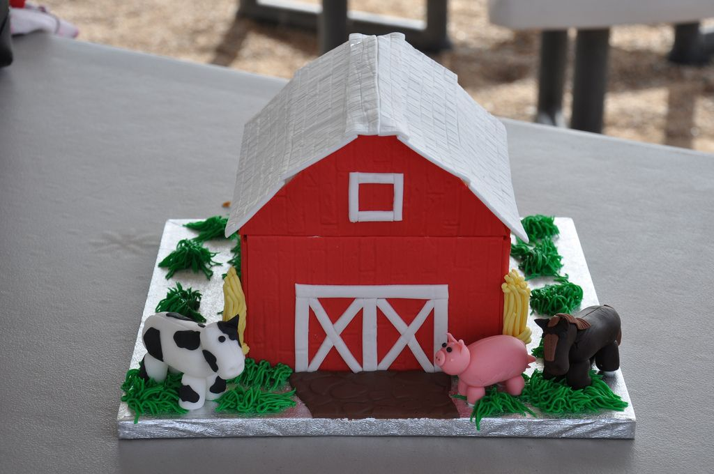 Image Result For How To Make A 3d Barn Cake Barn Cake Cow Birthday Farm Party