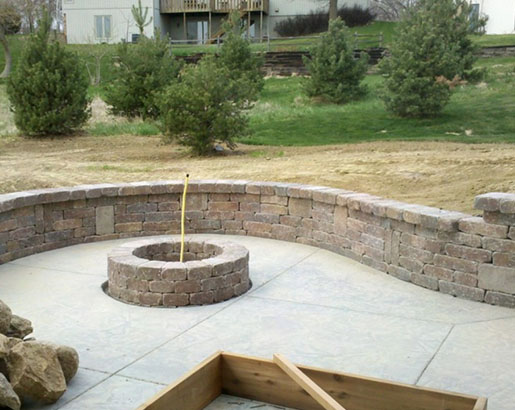 51 Really Cool Retaining Wall Ideas In 2020 Farmhouse Landscaping Retaining Wall Garden Stepping Stones