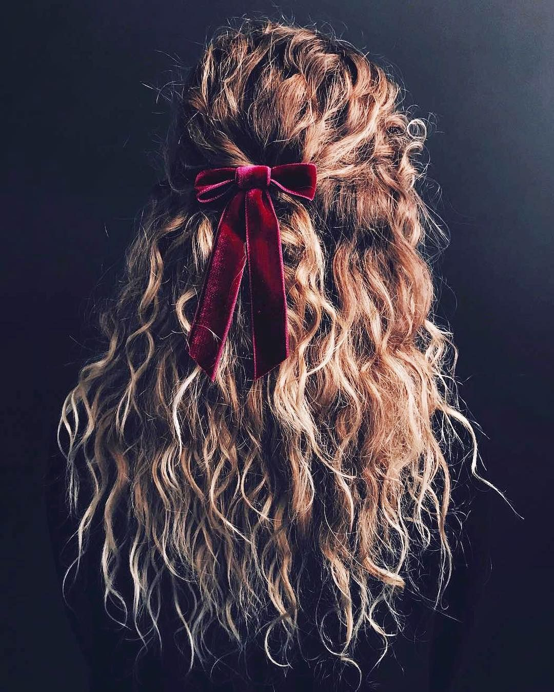Kristin Ess Said It Best Bows Before Bros And Here S Her Masterwork With Our Velvet Bow Barrette Link In Bi Hair Styles Perfect Hair Curly Hair Styles