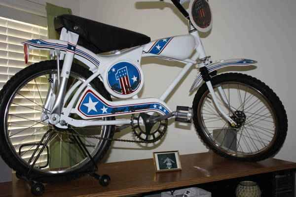Evel Knievel Bike: 1976 Evel Knievel Bicycle. I Had One Of This When I Was 8