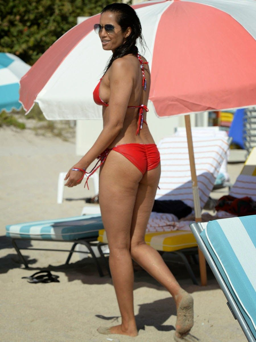 Indo-American Tv Actress Padma Lakshmi Hot Bikini Body At -2540