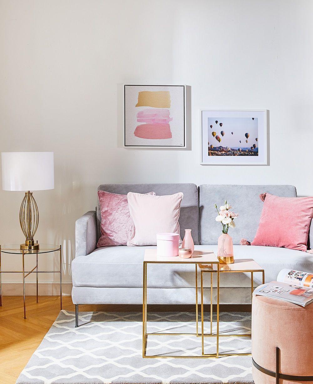 Unser Glam Up Tipp Für Dein Wohnzimmer: Farbe Bekennen! Mit Einem  Geradlinigen, Modernen Design Und Zarten Farbakzenten, Etwa In Rosé, Wird  Das Sofa Zum ...
