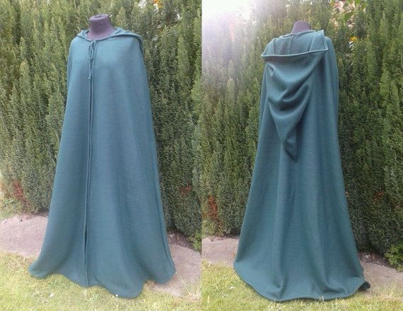 Medieval cloak made from fleece in green by Induvia on Etsy
