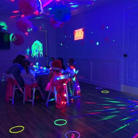 Herzlich Eingeladen Zur Glow In The Dark Party Kindergeburtstag