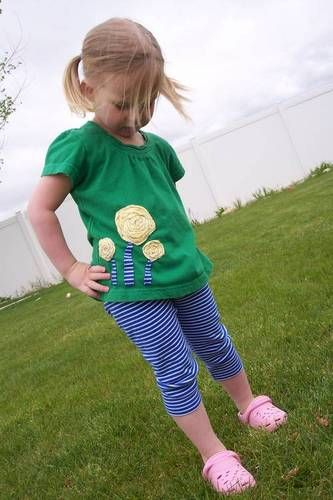 Twisty Rosettes Top and Leggings - CLOTHING #craftster #diy