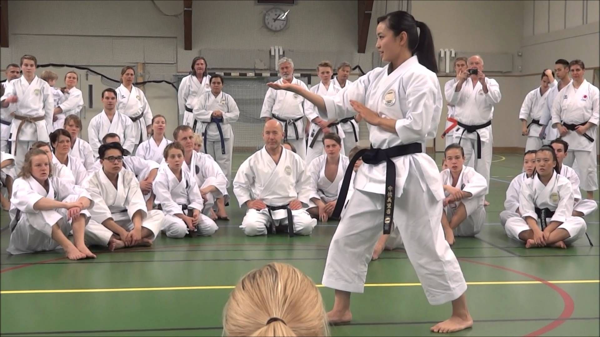 World Champion Rika Usami Teaching Kata (KOSOKUN SHO)