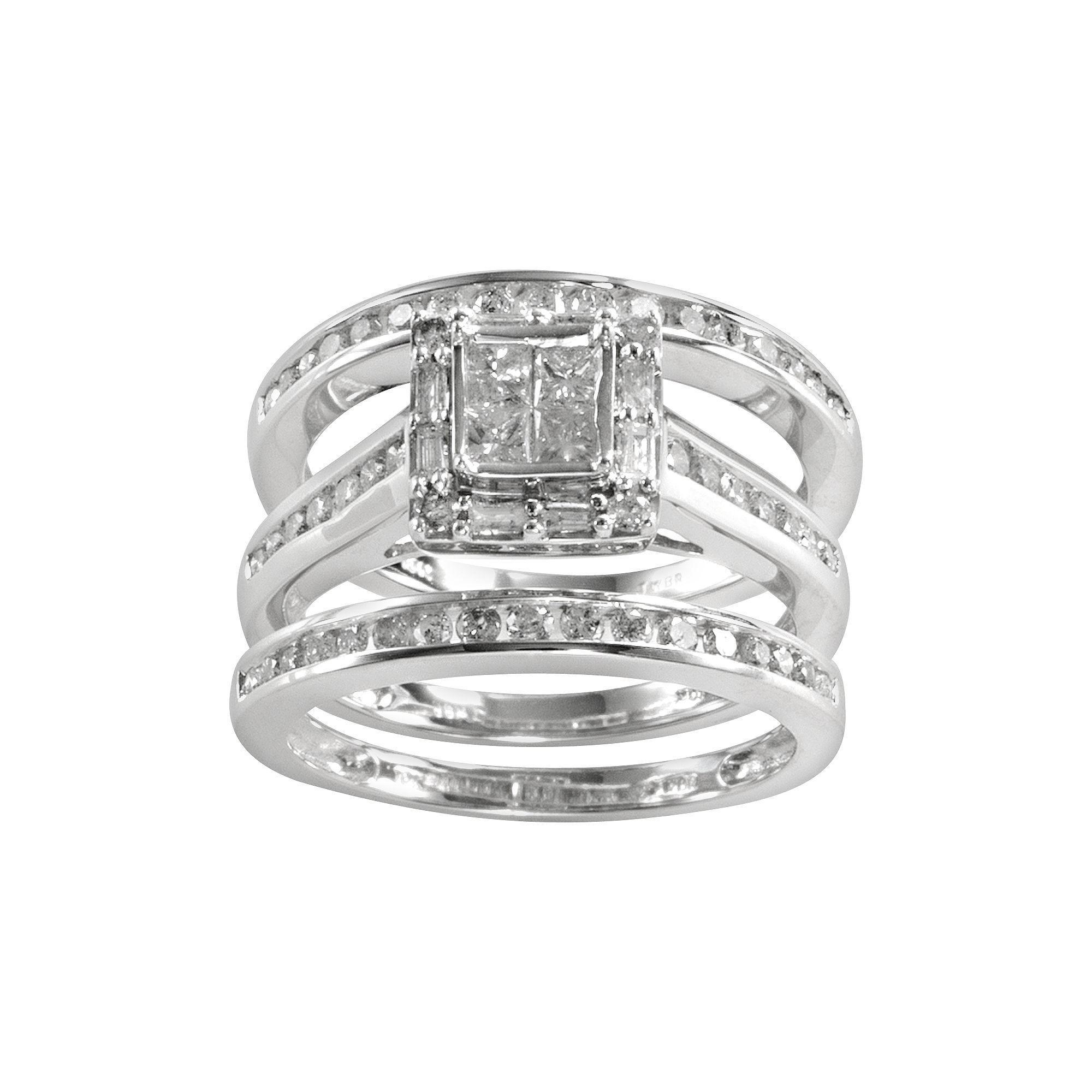 Princesscut diamond square engagement ring set in k white gold
