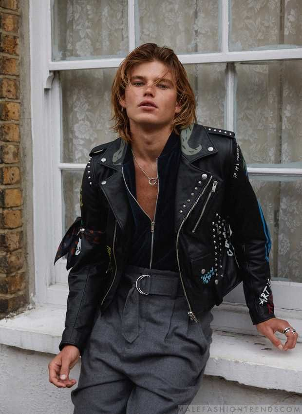 Libro Guinness de récord mundial Tiza explique  Jordan Barrett en el número Fall-Winter 2017 de Harper's Bazaar Tailandia |  Moda ropa hombre, Moda de invierno masculina, Moda hombre