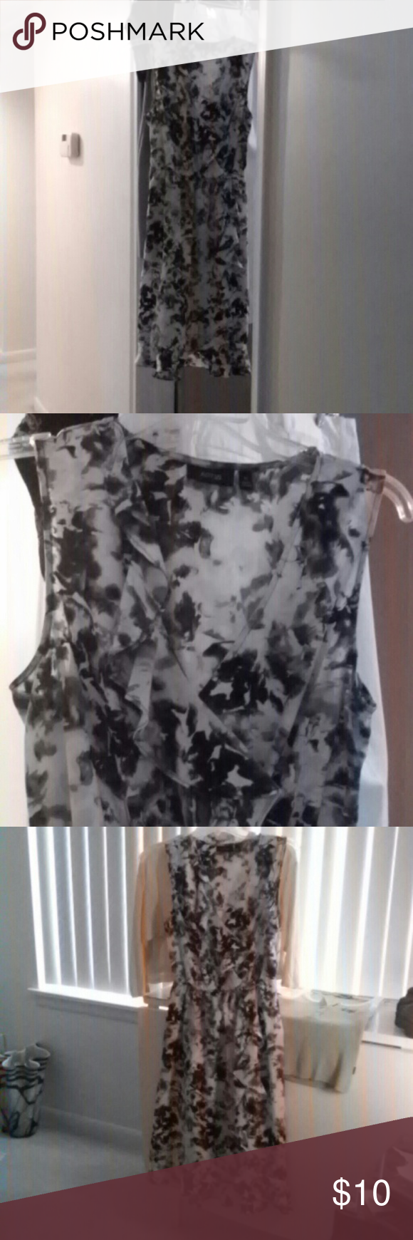 Cute apt. 9 smoky Gray black and white dress M Super cute Apt 9 dress - roomy medium with stretch waist. Fits like an 8-10. Has a ruffled front and hem. Apt. 9 Dresses