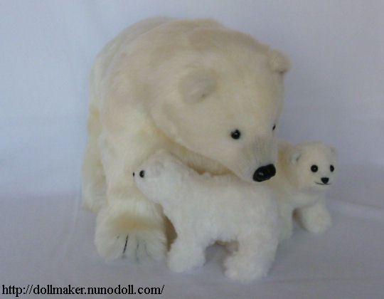 Polar bear family - free pattern & tutorial