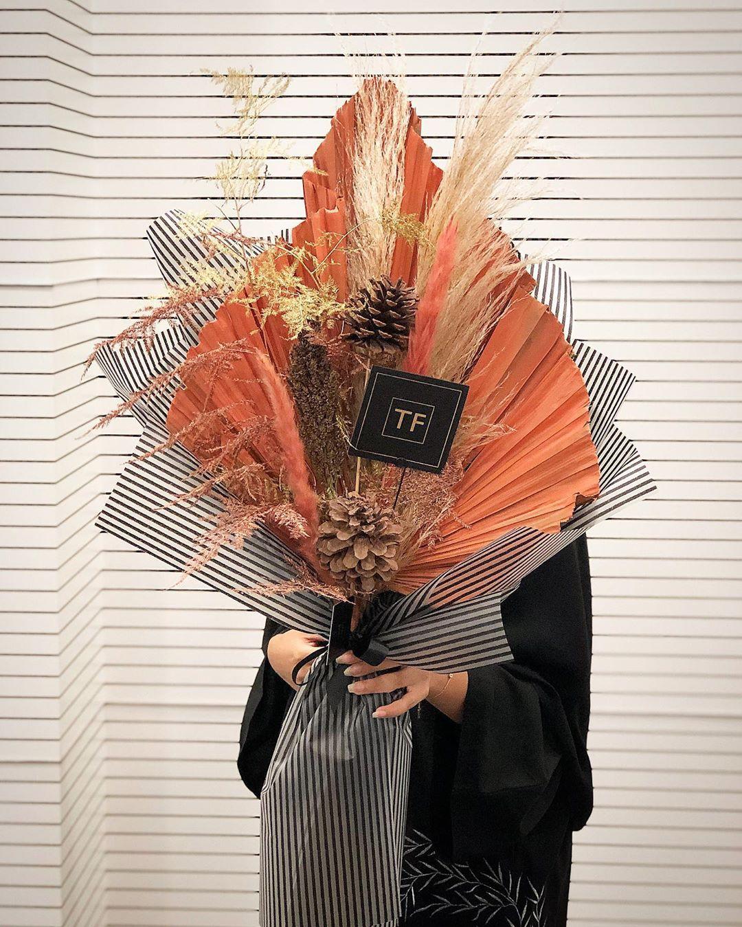 Mydubai Ideas Flowers Florist Dubai Art Arrangement Uae Creative Roses Bridal Dried Flower Arrangements Dried Flowers Tulips Flowers
