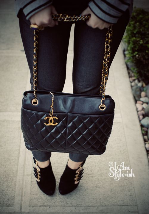 chanel vintage bag. i want this vintage chanel bag featured in am style-ish