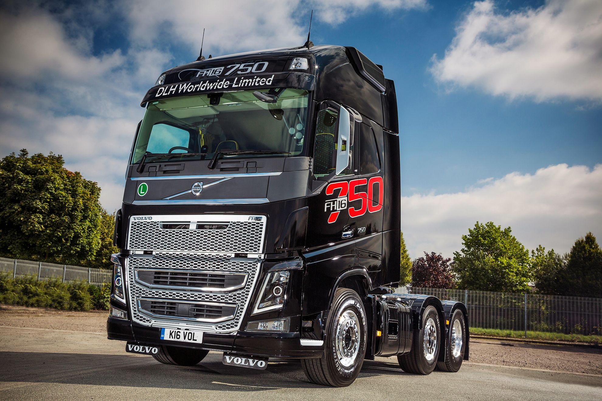 Volvo Fh16 750 Heavyweight Party