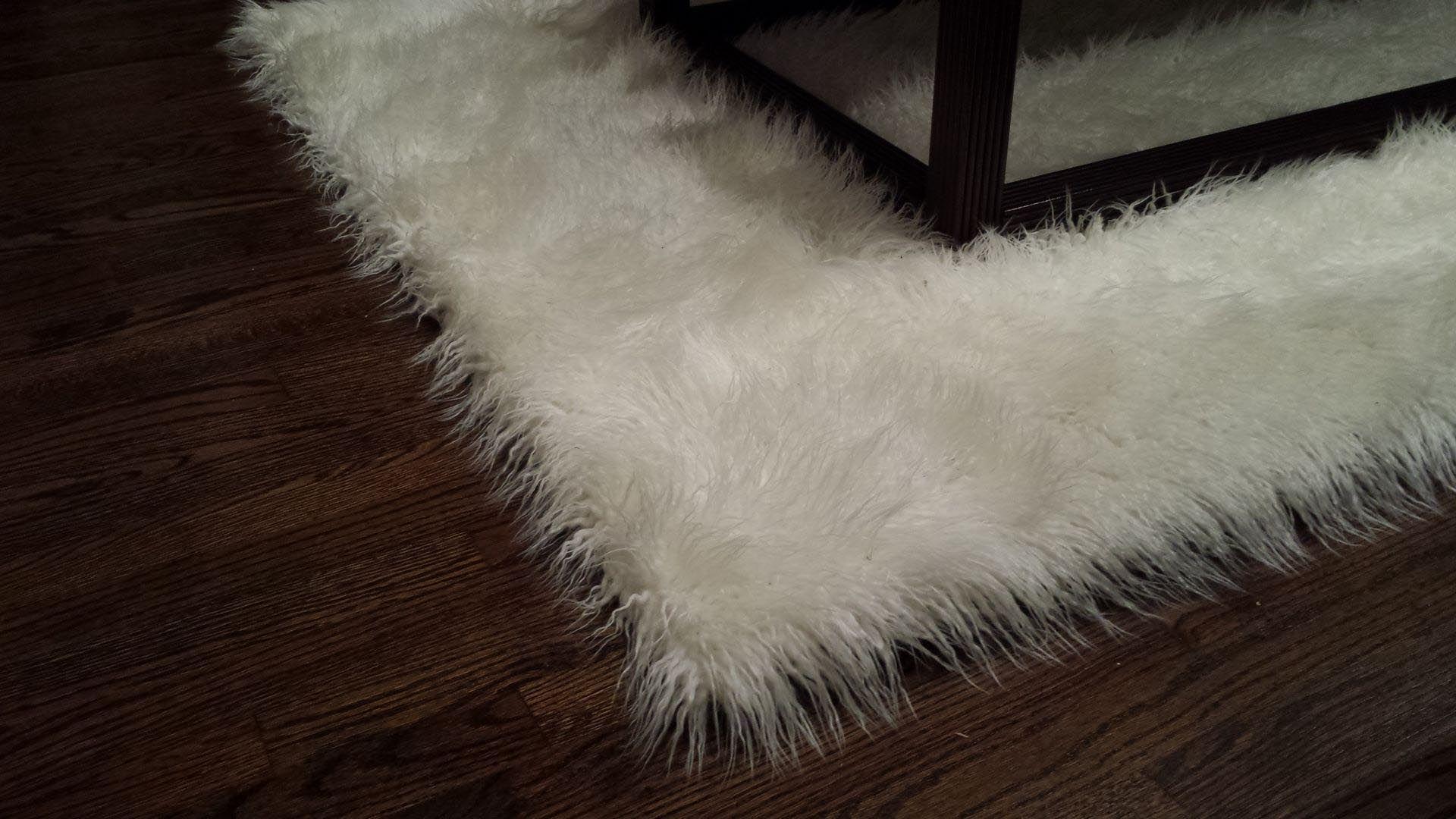 White Fur Living Room Rug Modern House
