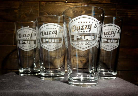 Custom Pint Glasses With Retro Style Pub Label Etched Glass Beer