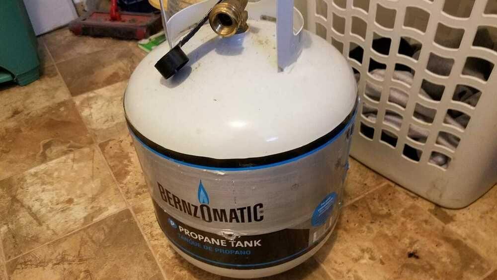 Benrnzomatic Propane Tank Propane tank, 20 lb propane