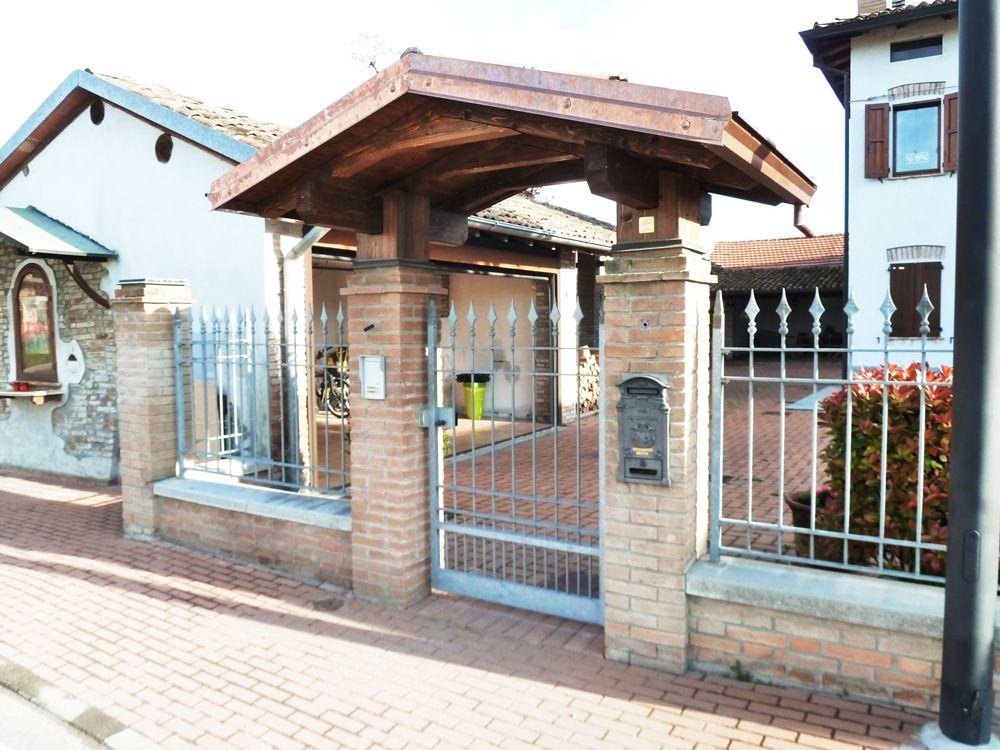Copri cancello a due falde linea classica profondit cm for Cancelli di legno per giardino