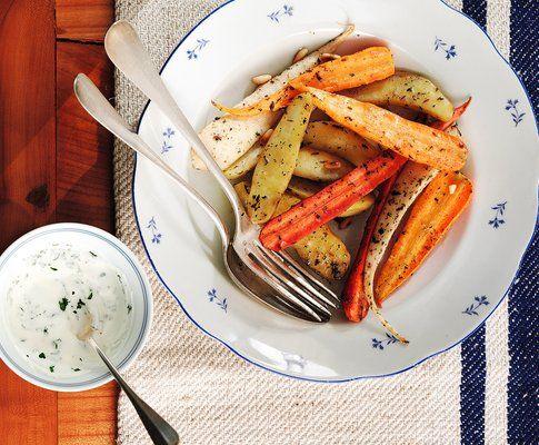 Würziges Ofengemüse, einfach zu veganisieren.