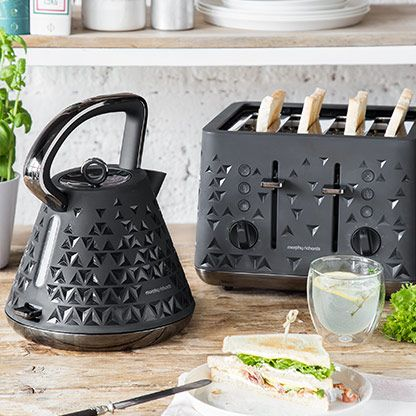 so sch n k nnen wasserkocher und toaster aussehen mit der designserie von morphy richards. Black Bedroom Furniture Sets. Home Design Ideas