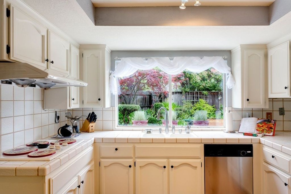 Traditional Kitchen with Flat panel cabinets, High ceiling ...