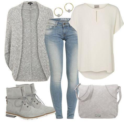 Un bonito y casual poncho en gris se combina en este traje de Freiteit con una blusa corta de Vero Moda y unos jeans ajustados. También el bolso de mano y los botines están en gris. Más combinaciones inspiradoras se pueden encontrar en Trajes y Estilos #skinnyjeansandankleboots