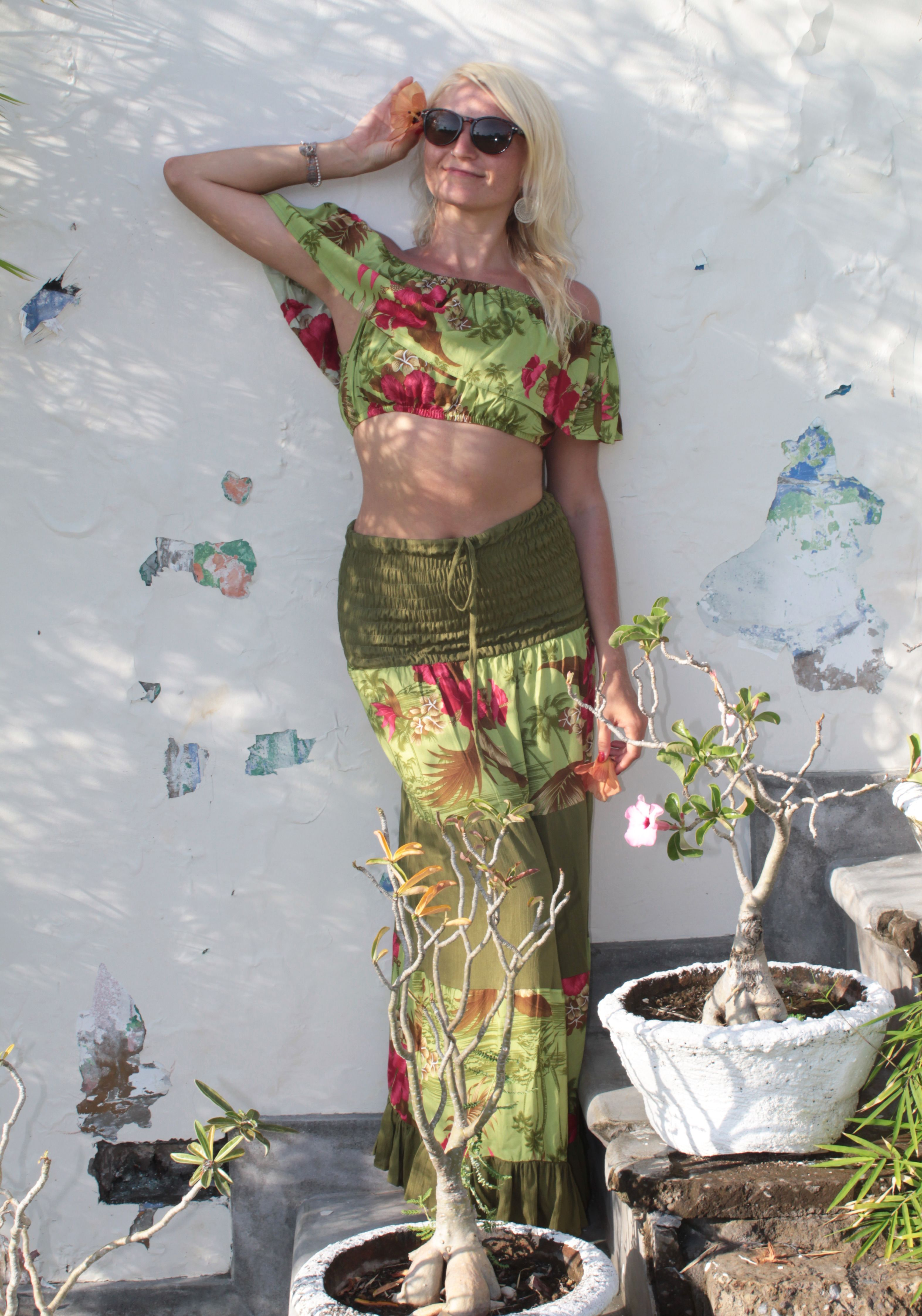 new product 4c221 83313 Hippie & Boho Maxirock mit Volant - High-Waist - Olivgrün ...