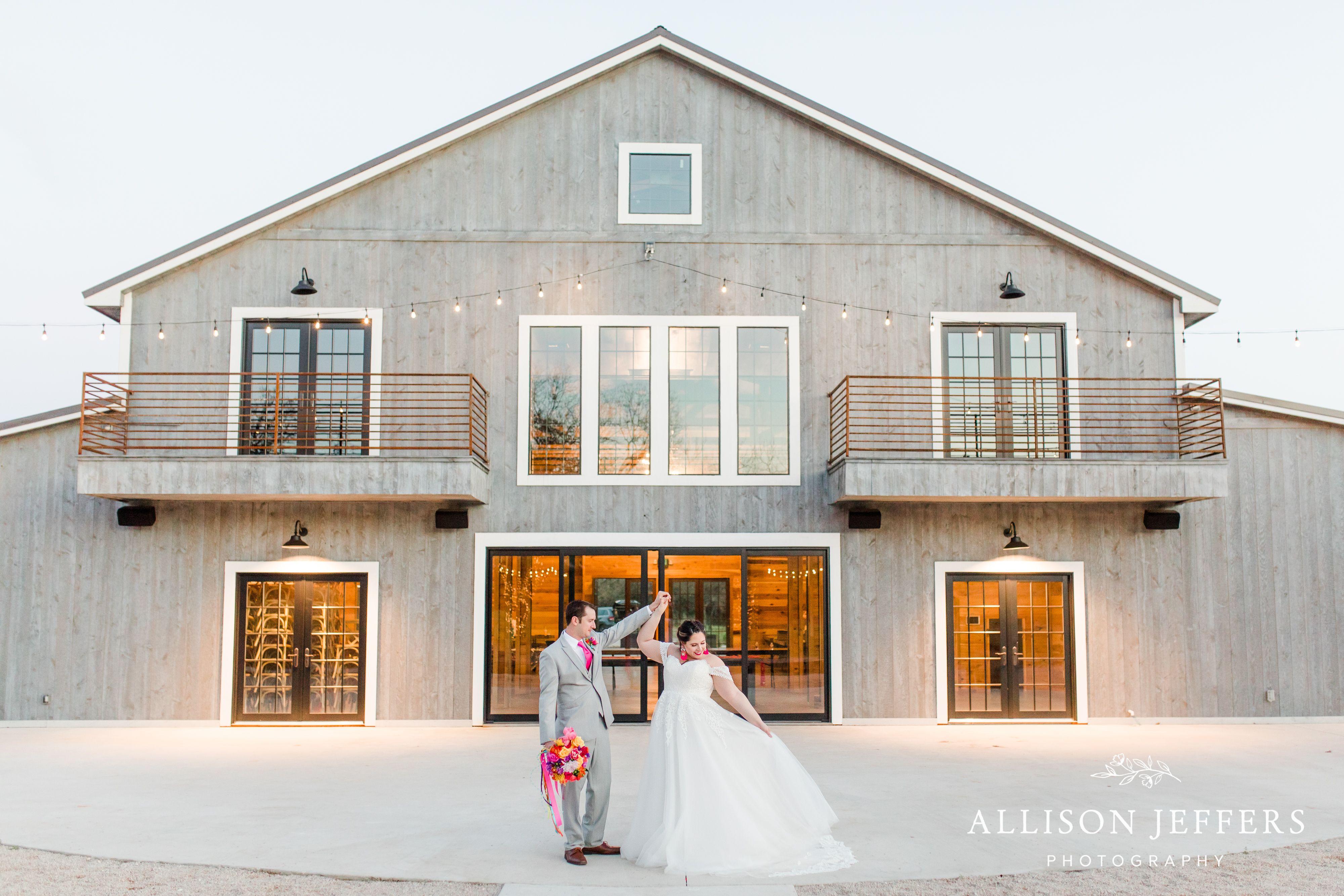Wedding Inspiration at a Wedding Venue in Fredericksburg