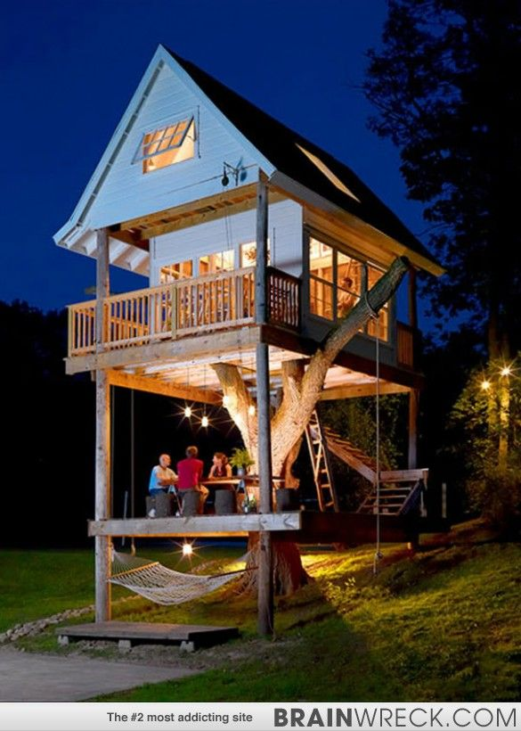 Awe Inspiring A Huge Backyard Treehouse With Patio And Balcony Great For Download Free Architecture Designs Scobabritishbridgeorg