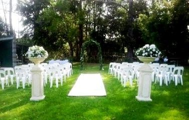 An Example Of Our Garden Wedding Ceremony Set Up 6mtr Cream Or Red