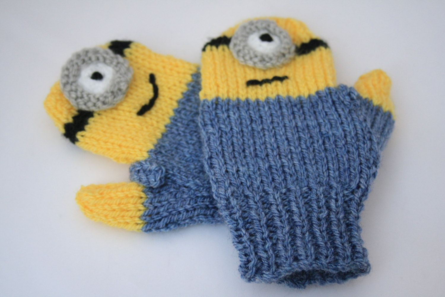 Minions+knitted+mittens+gloves+toddler+Minion+by+sweetygreetings,+ ...