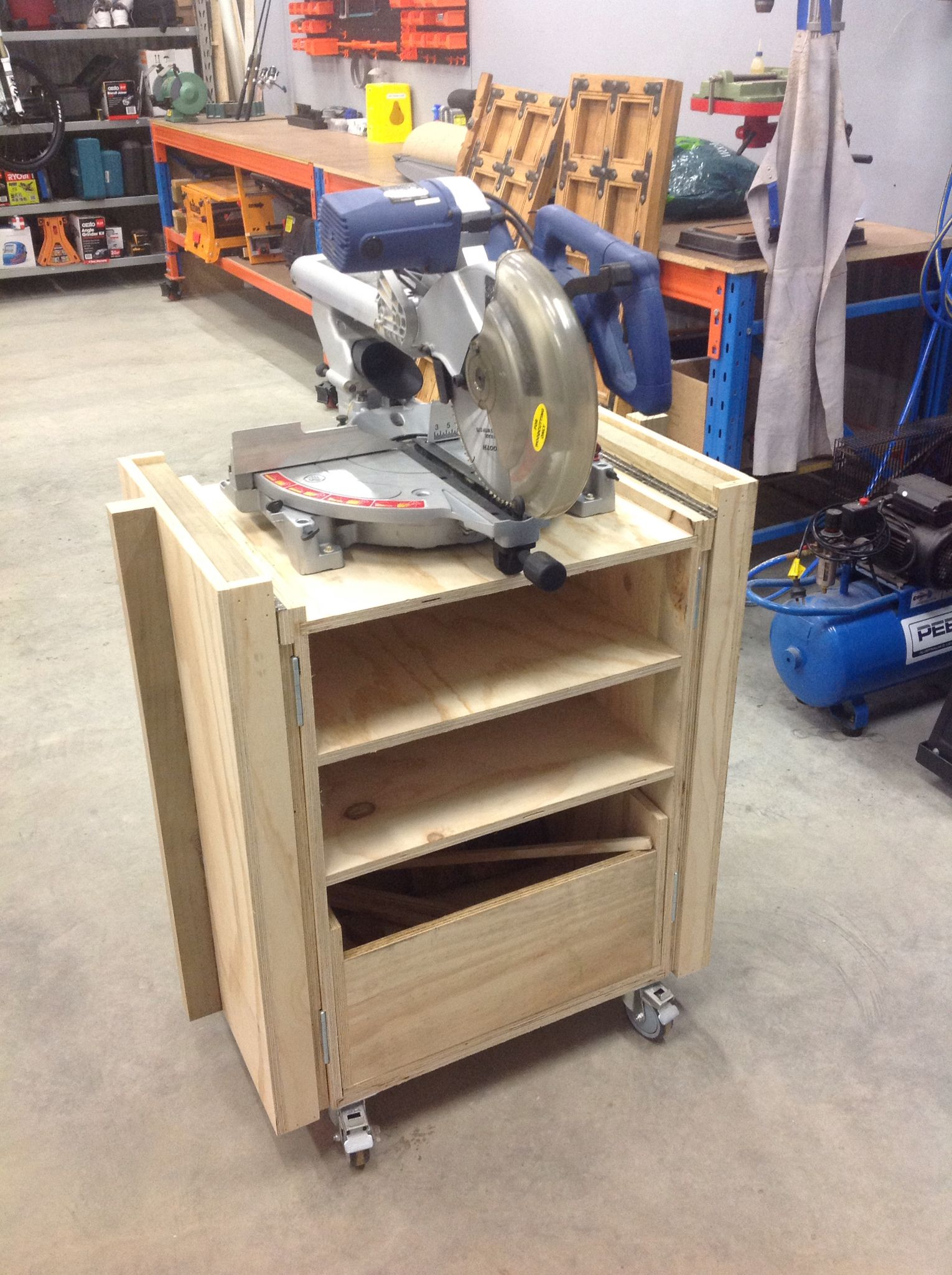 Mitre saw folding table. Miter saw table, Woodworking
