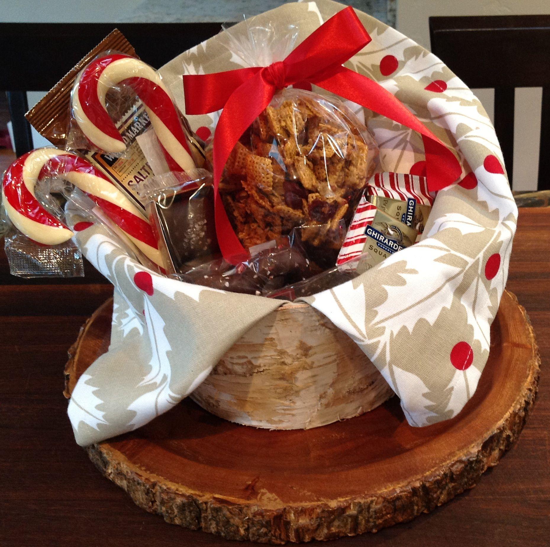 Ideas For Christmas Gift Baskets: Christmas Gift Basket: Towel