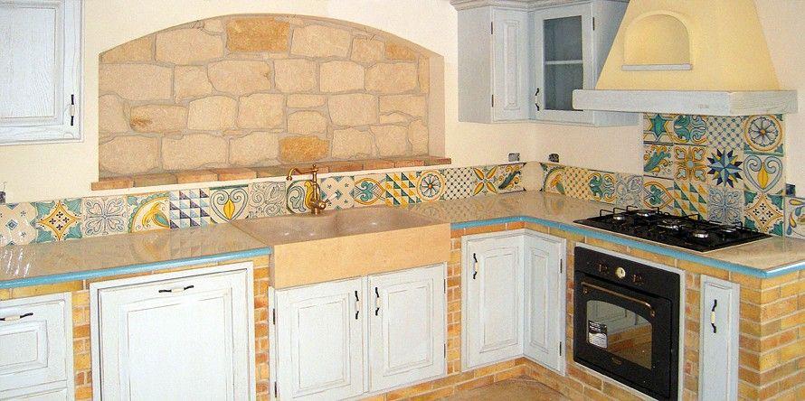 Cerâmica clara, madeira ao natural: tudo para assegurar o toque ...