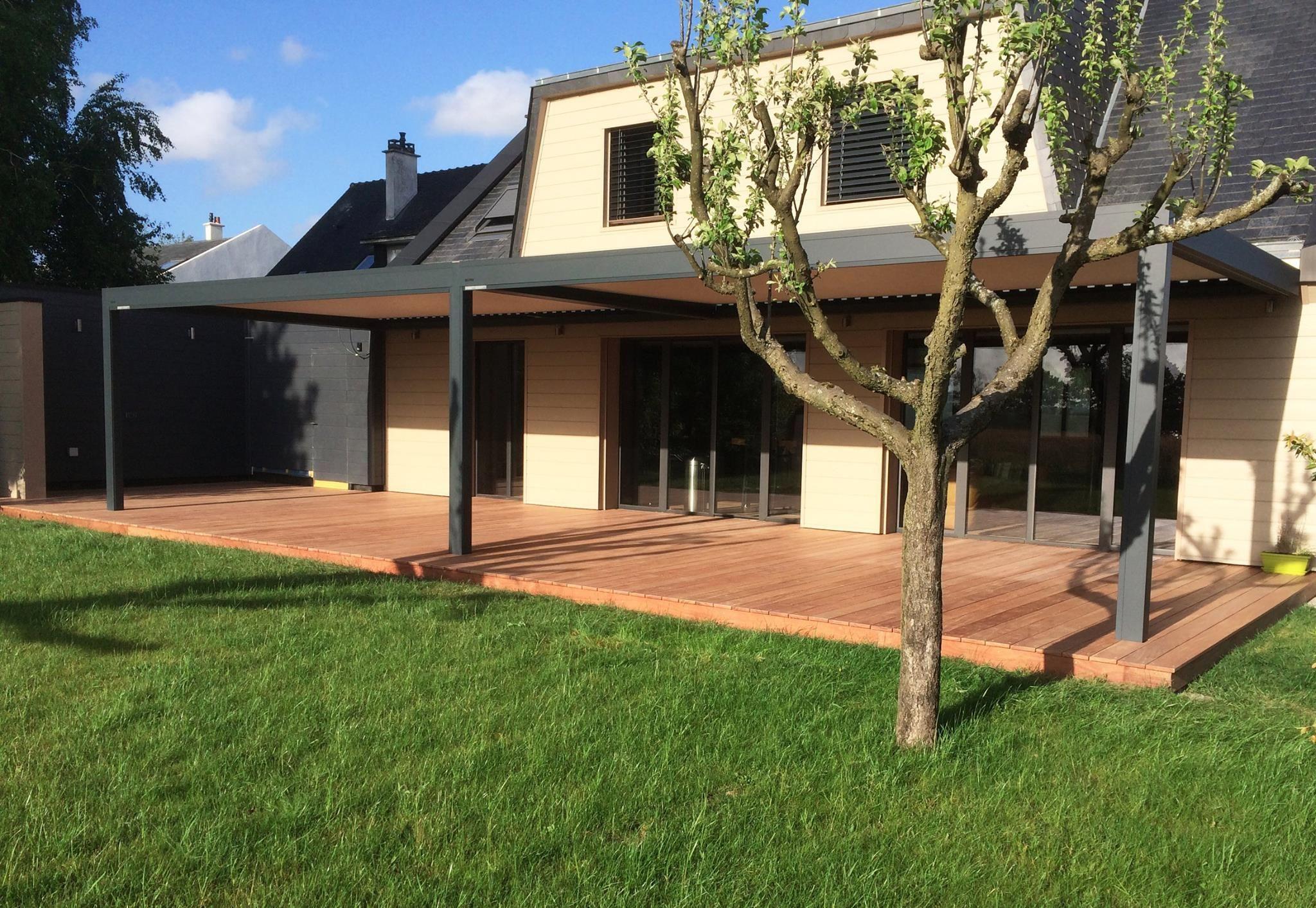 Terrasse bois en Cumaru sur plot de 70m2  Réalisée à la Chapelle-sur-Erdre par l'Atelier Languin (menuiserie à Nantes)  #menuiserie #terrasse #agencement #extérieur #bois #wood #design #menuisier #deco