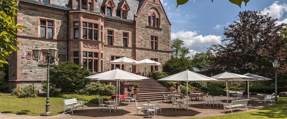 Das Romantische Schlosshotel Mit Restaurant Im Taunus Rhein Main Gebiet Frankfurt Schlosshotel Rettershof Frankfurt Am Main Frankfurt Und Weingut Hochzeit