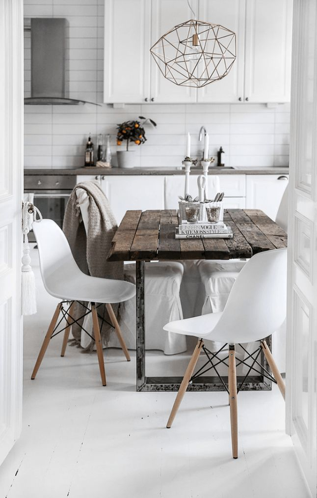 Pure White Steel Gray And Reclaimed Wood Scandinavian Cosiness Farmhouse Dining Rooms Decor Scandinavian Dining Room Interior Design Kitchen