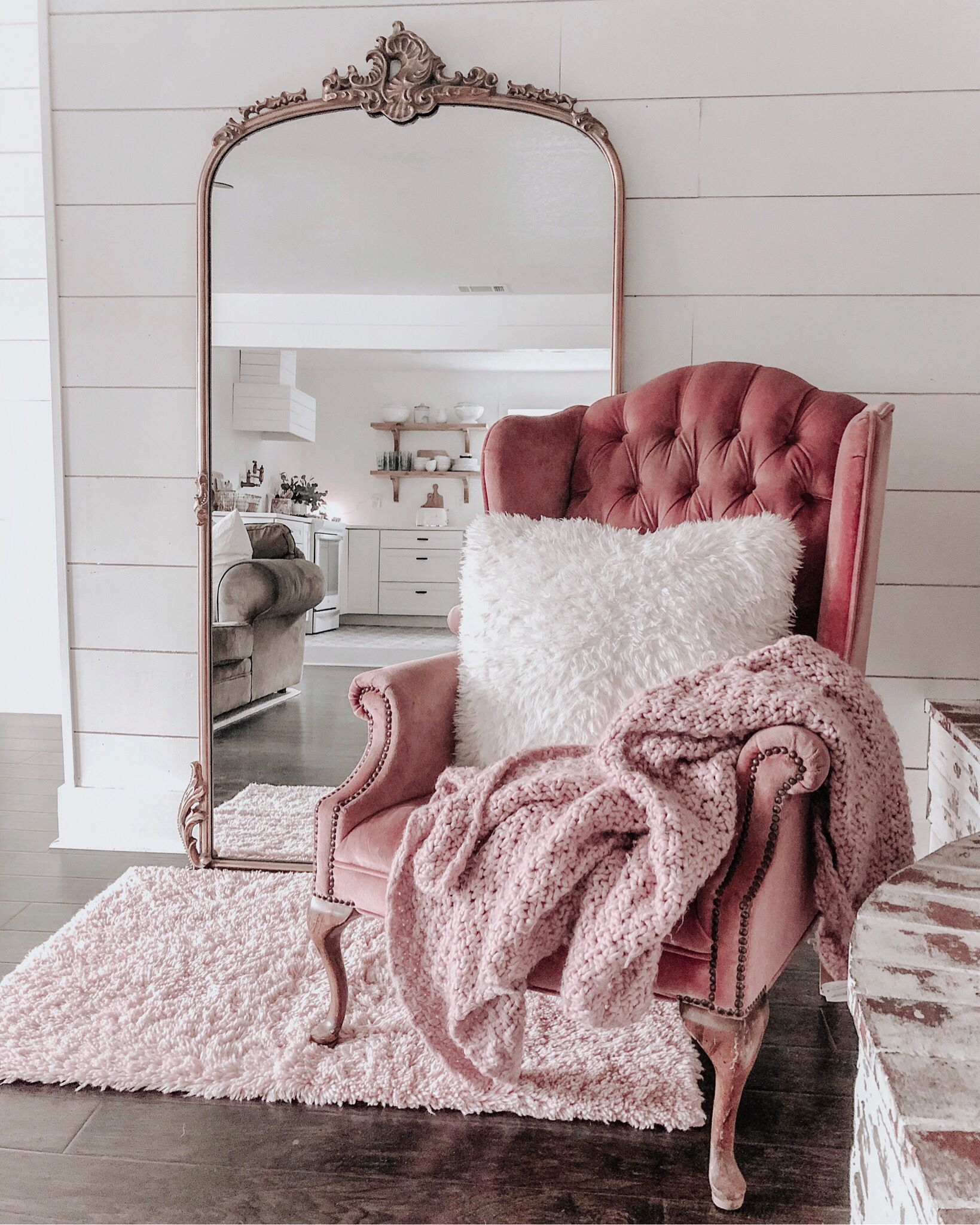 Antique | Shabby chic decor bedroom, Bedroom decor, Shabby