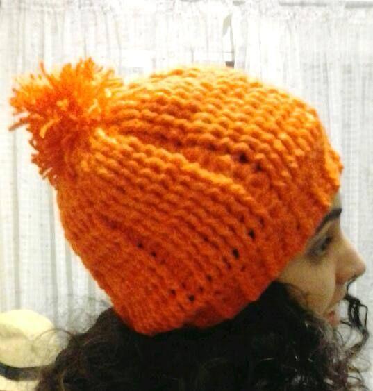 touca ou gorro de crochê laranja