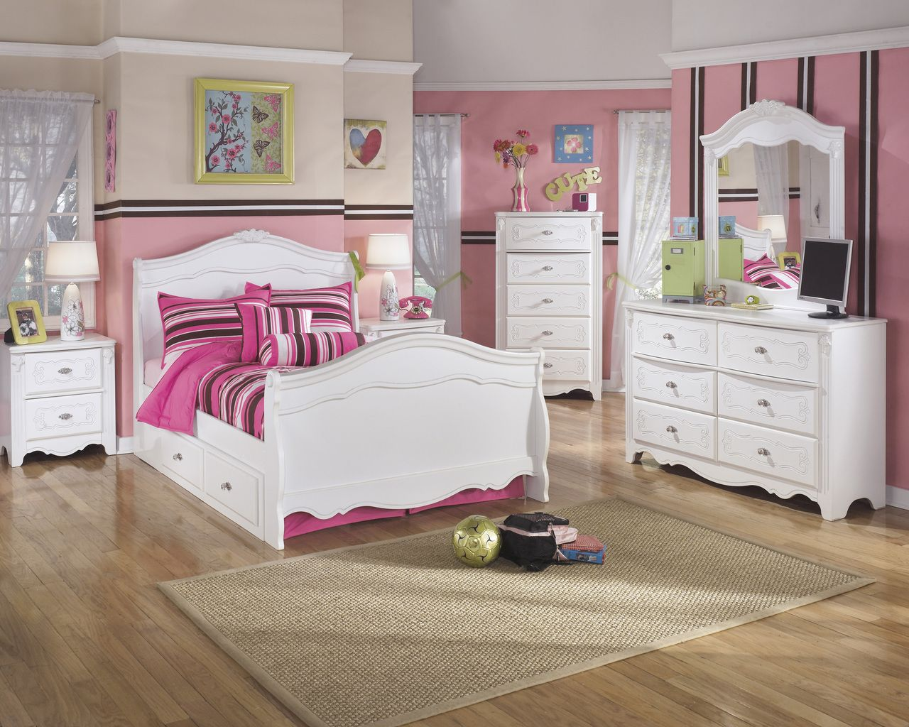 Exquisite White Full Sleigh Bed With Under Bed Storage